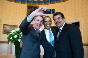 Bill_Nye,_Barack_Obama_and_Neil_deGrasse_Tyson_selfie_2014